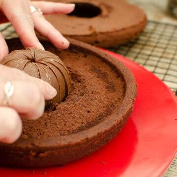 Terry's Chocolate Orange Pumpkin Cake surprise centre with a full terry's chocolate orange inside the cake