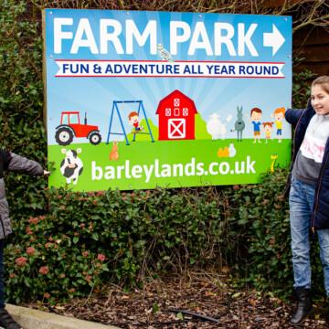 Barleylands farm sign