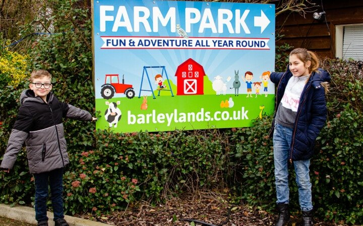 Barleylands farm sign