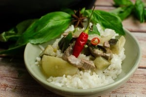 Thai Green Beef Curry served with jasmine rice in a green bowl